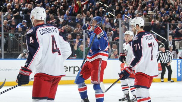 kevin hayes celebration 2-22