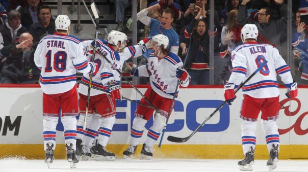kevin hayes goal celebration 2-12