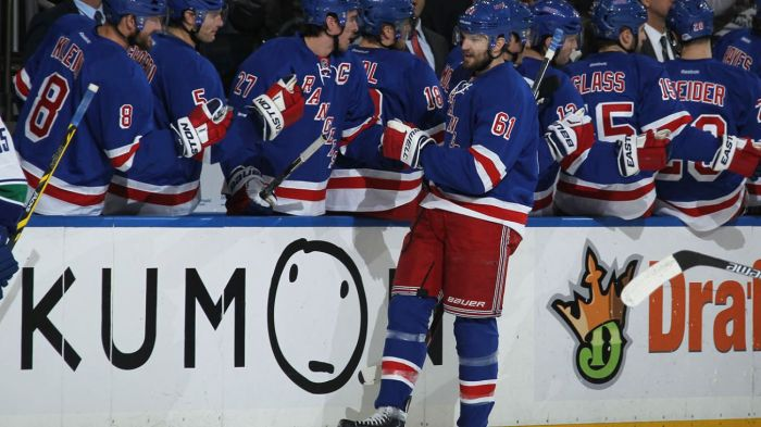 rick nash hi five line 2-19