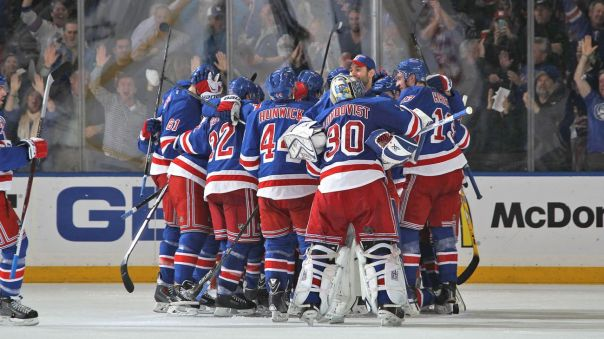 rangers celebrate Game 5 win 4-24