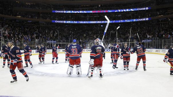 rangers salute the crowd 4-4