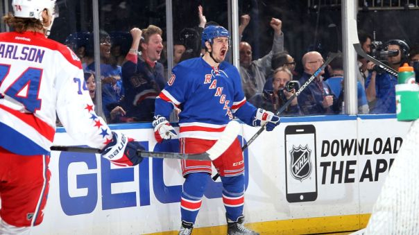 chris kreider celebrating 5-2