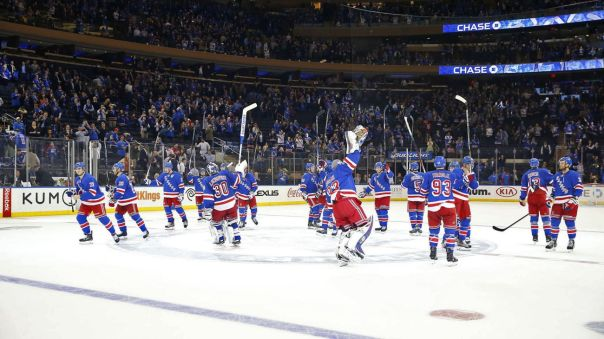 rangers salute the crowd 11-3
