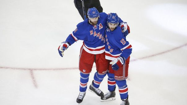 derick brassard and rick nash celebrate 12-15