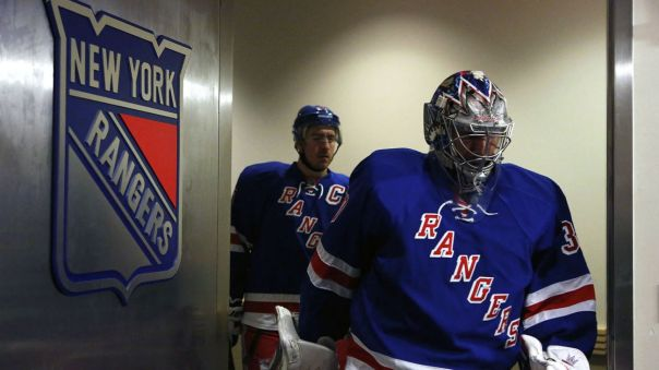 Rangers walking out onto ice 12-20