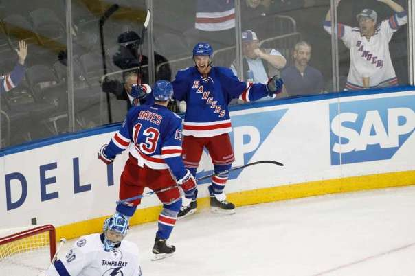 michael-grabner-goal-celebration-10-30