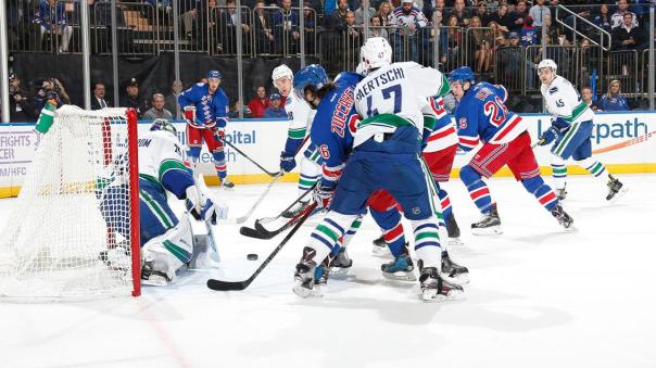 rangers-vs-canucks-11-8