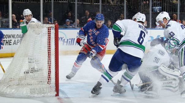 rangers-vs-canucks-2-19