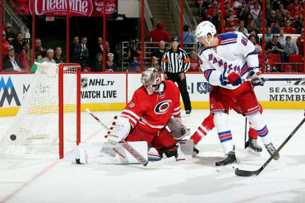 rangers-vs-hurricanes-10-28