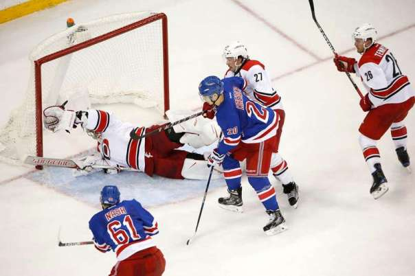 rangers-vs-hurricanes-11-29-2