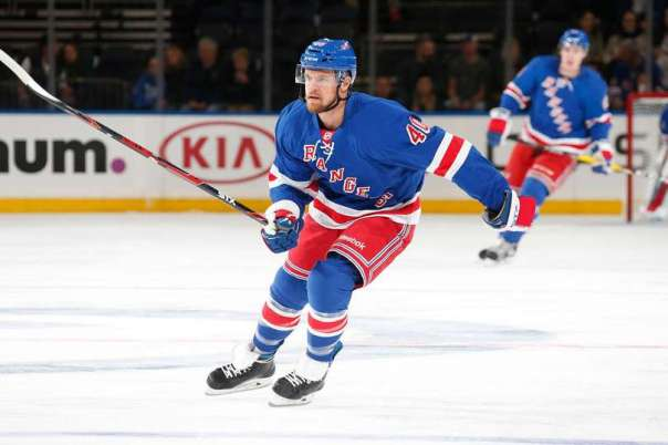 michael-grabner-full-body-9-29